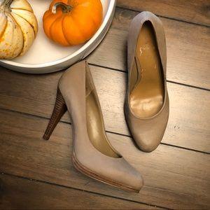 Nine West Light Tan Heels 6.5